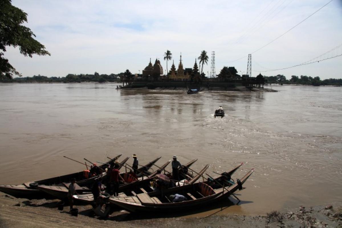 中洲に浮かぶ水上パゴダ「イェレーパゴダ」半日観光