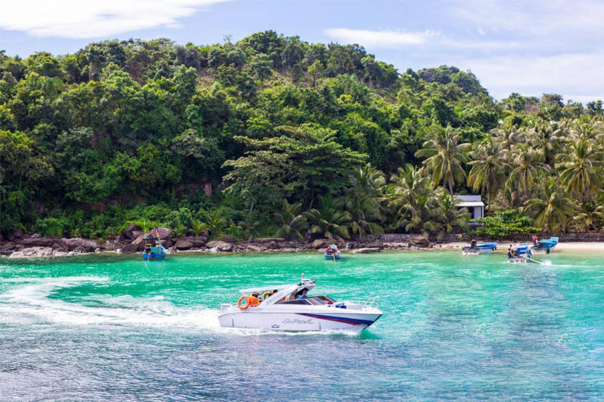 スピードボートで4島巡り!一日:フーコック島からトム島~モンタイ島~ガムギ島~マイルット島巡り *専用車&英語ガイド