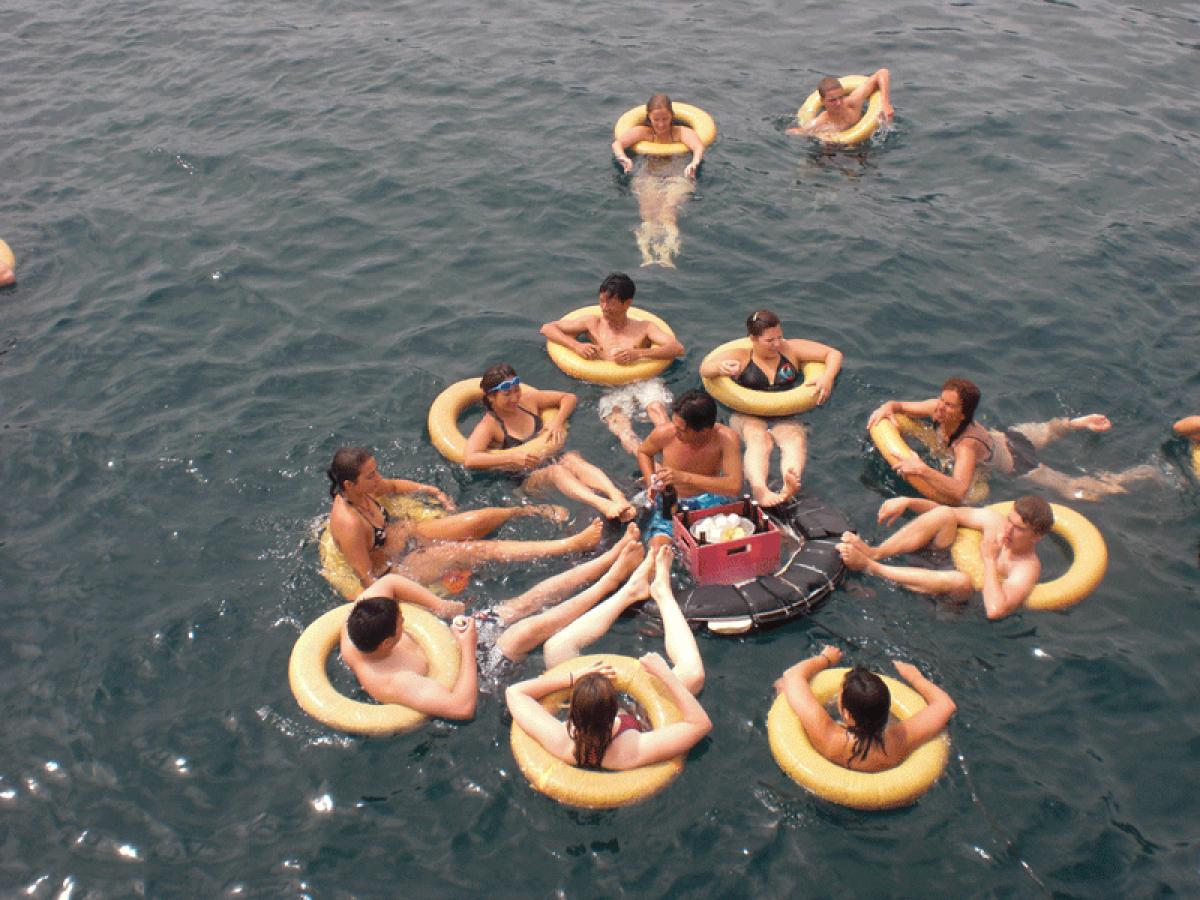 青い海を見ながら離島巡り!一日:ブルーオーシャンのアイランドホリディー(ミュ島の水族館→モッ島でシュノーケリング→ニャチャン)昼食付
