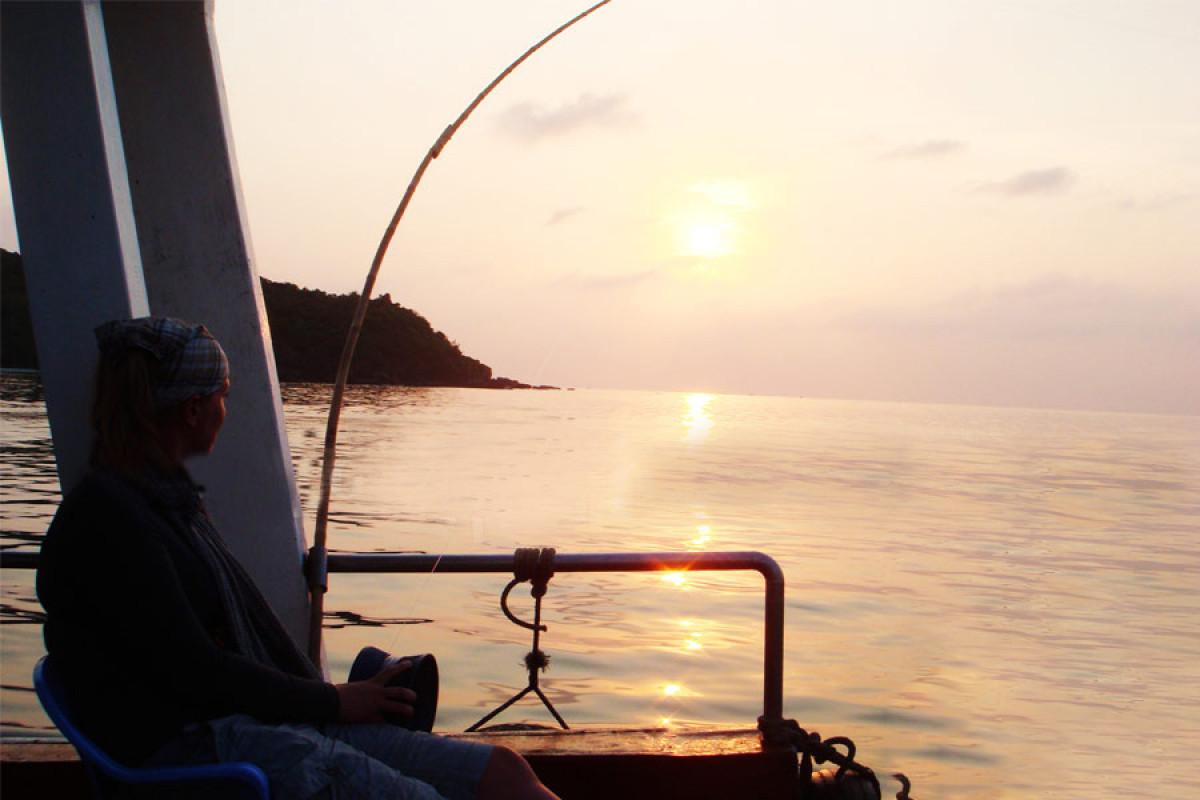 フーコック島で魚釣り体験!05:00発:日の出釣り「ビッグフィッシュ」 *専用車&英語ガイド