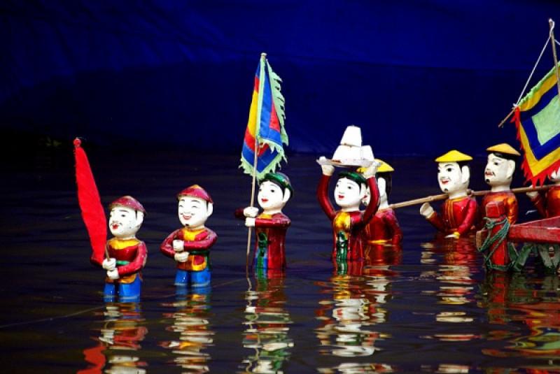 の画像 人気ナイトツアーの組み合わせ!水上人形劇観賞&サイゴン川ディナークルーズ(※夕食の際は他のお客様とご一緒に食事する場合がございます。) #3
