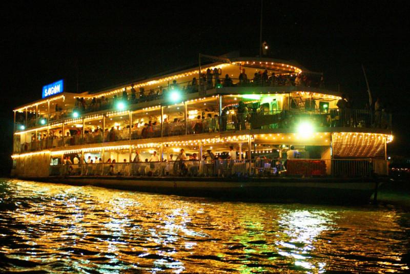 の画像 人気ナイトツアーの組み合わせ!水上人形劇観賞&サイゴン川ディナークルーズ(※夕食の際は他のお客様とご一緒に食事する場合がございます。) #0
