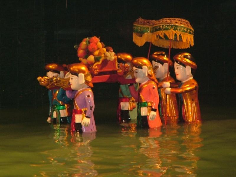の画像 人気ナイトツアーの組み合わせ!水上人形劇観賞&サイゴン川ディナークルーズ