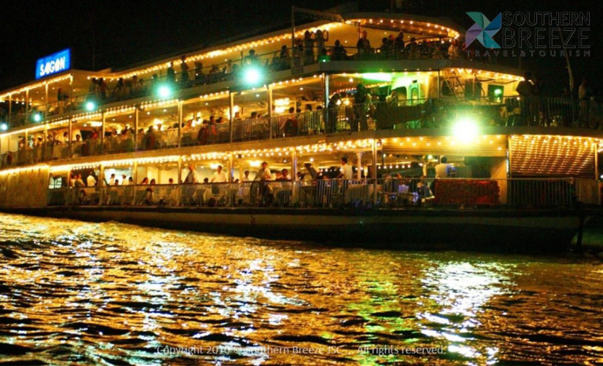 マッサージ付き!一日:メコン川クルーズ(メコン名物の昼食付)+YURI SPAにてアロママッサージ (約90分) +水上人形劇鑑賞&サイゴン川ディナークルーズ