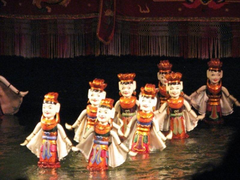 の画像 一番人気の日帰りツアーと人気ナイトツアーの組み合わせ!一日:メコン川クルーズ(メコン名物料理の昼食付)+水上人形劇観賞&サイゴン川ディナークルーズ
